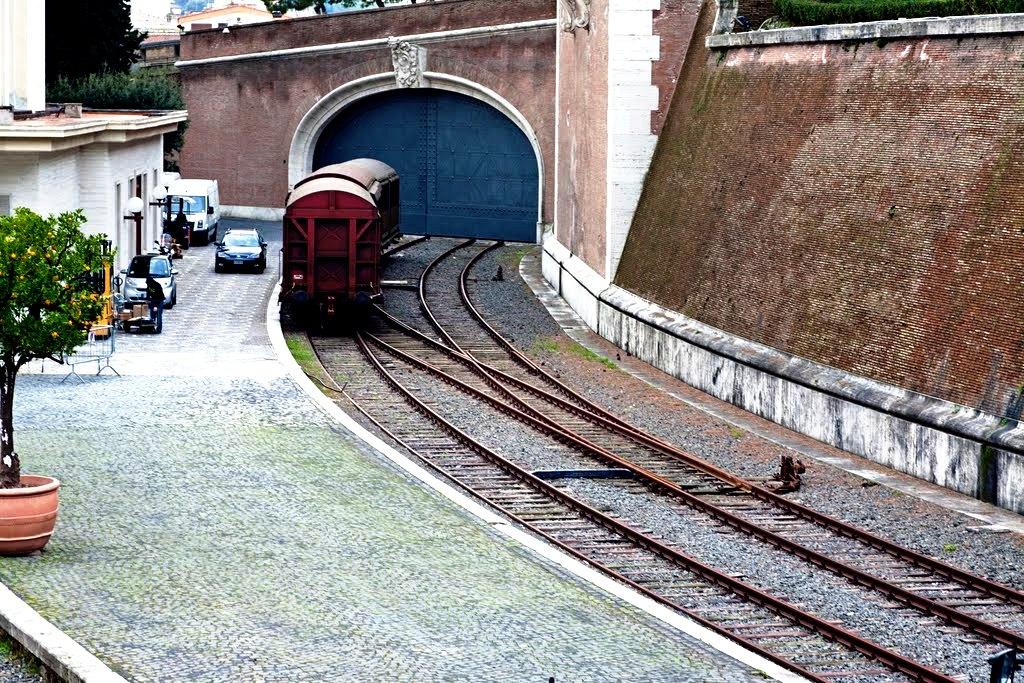 ветка железной дороги в ватикане