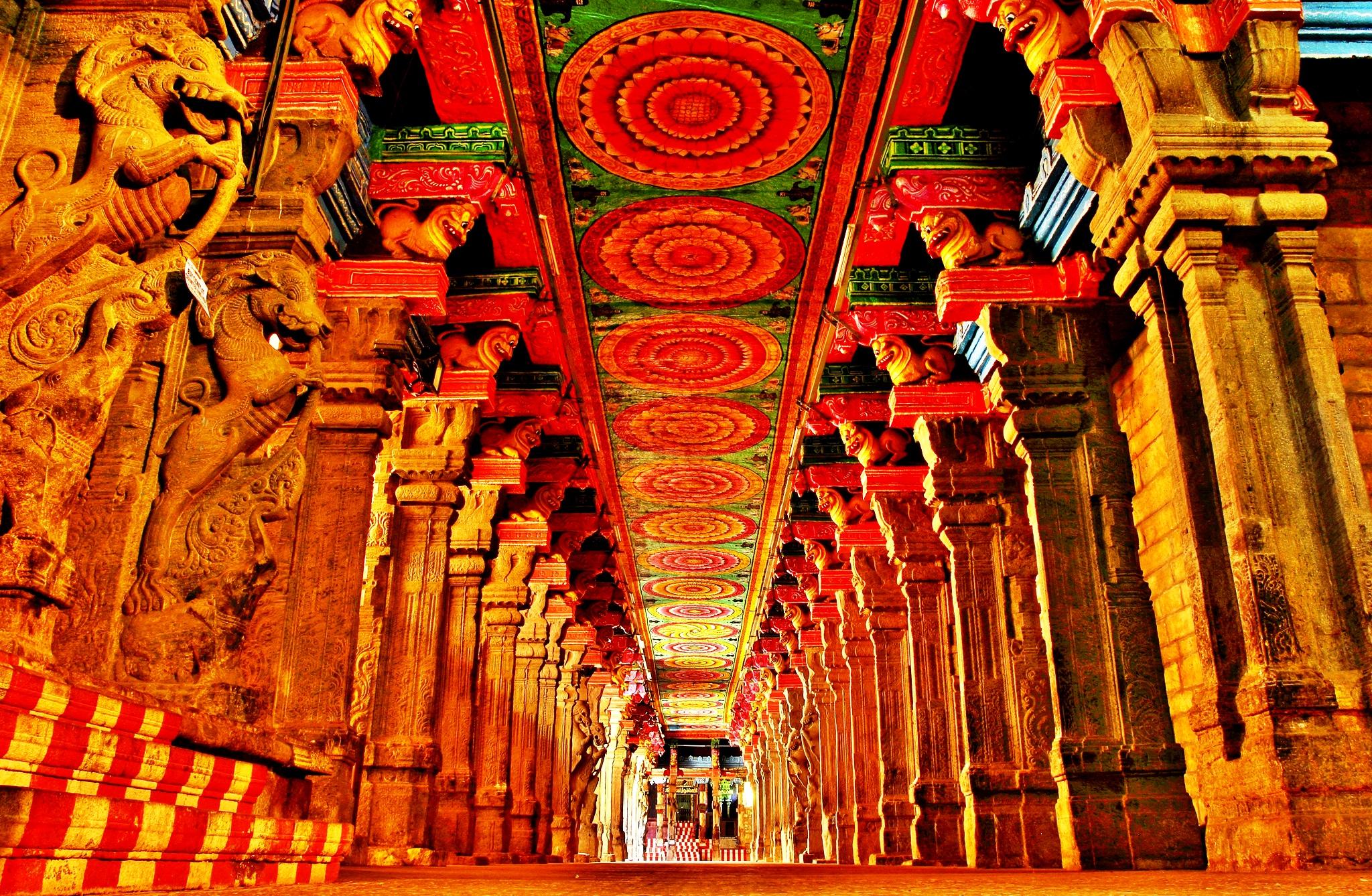 величественный зал минакши амман