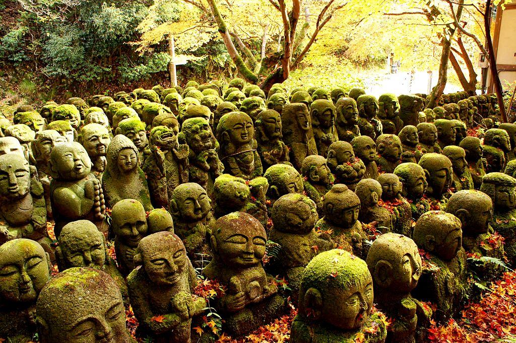 армия будд японского храма