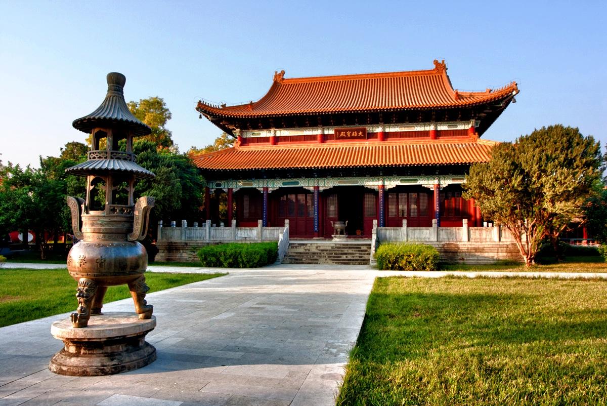 китайский храм в лумбини