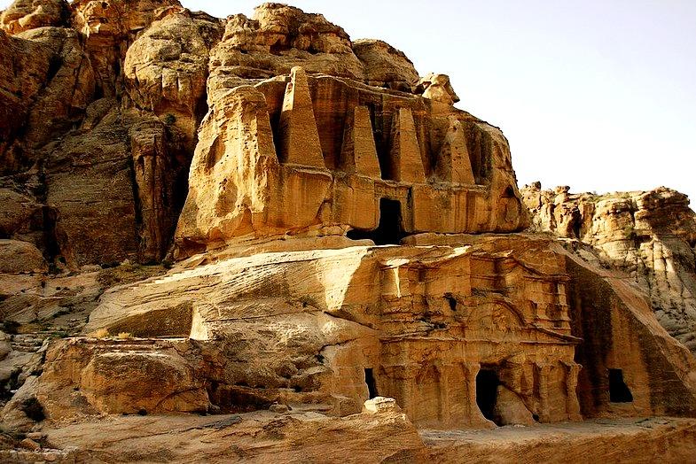 пещерный храм петры