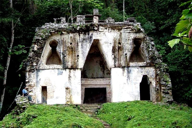 лиственничный храм паленке