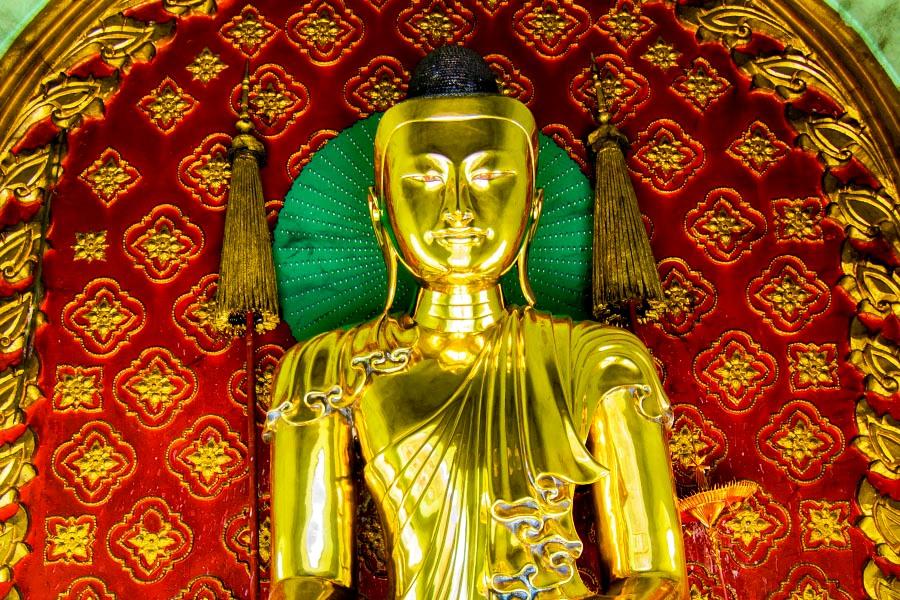 облик будды в шведагоне