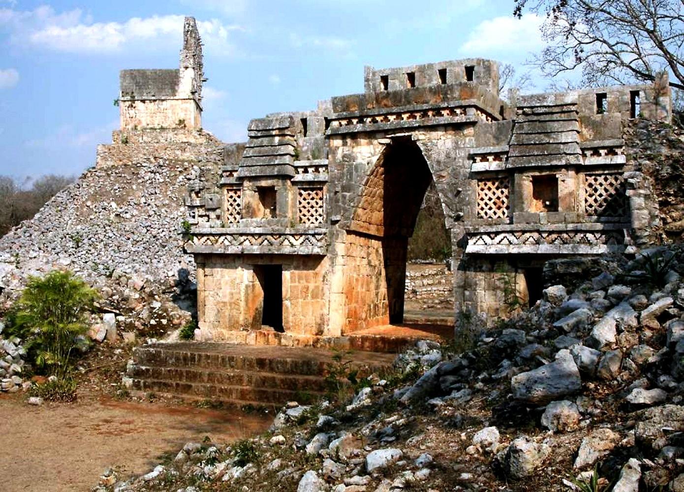 величественные развалины Ушмаля