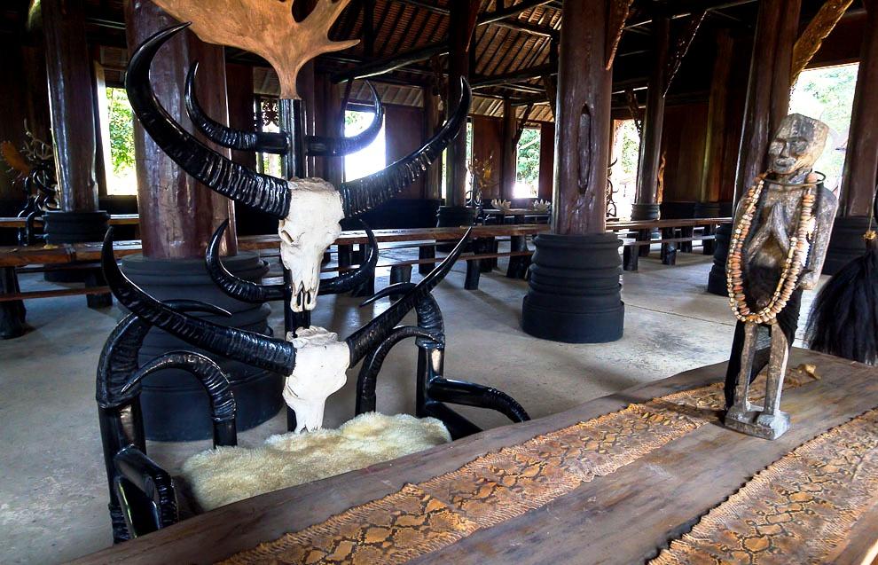экспонаты черного храма