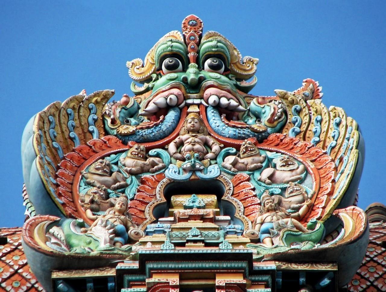 конек храма минакши