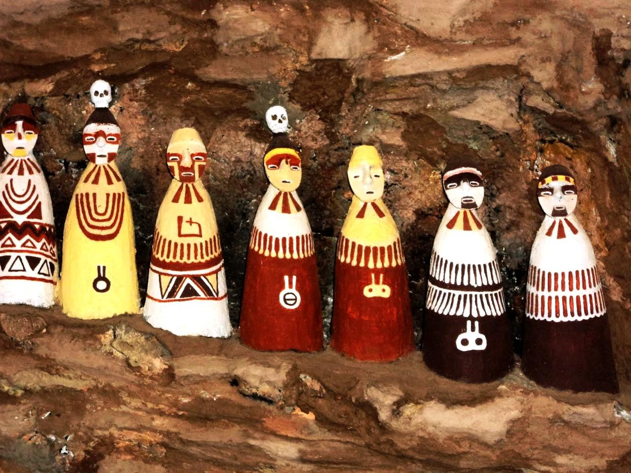 цветные саркофаги карахии