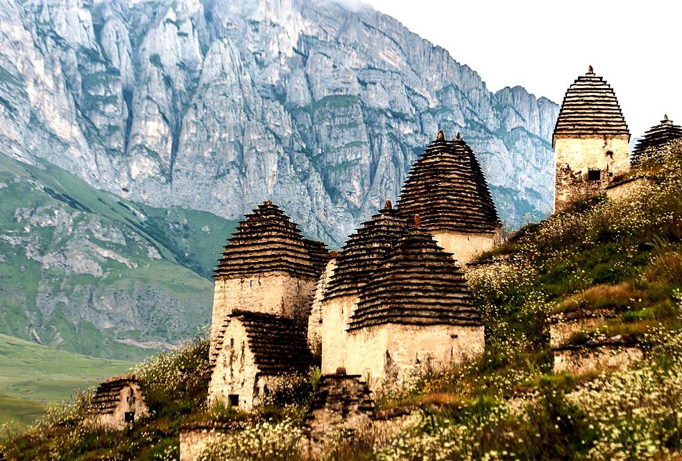 горы рядом с даргавсом