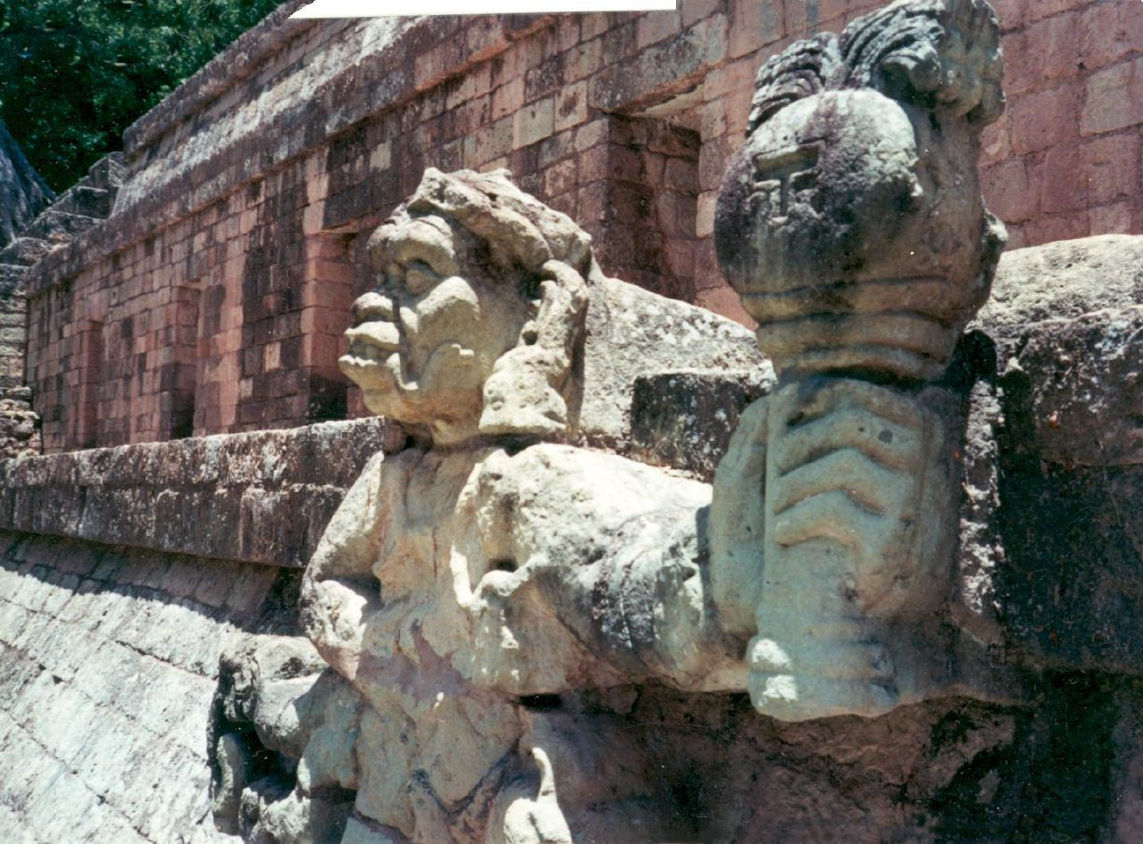 скульптуры копана