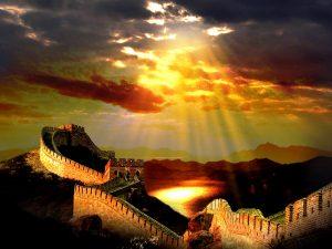 лучи солнца над великой стеной