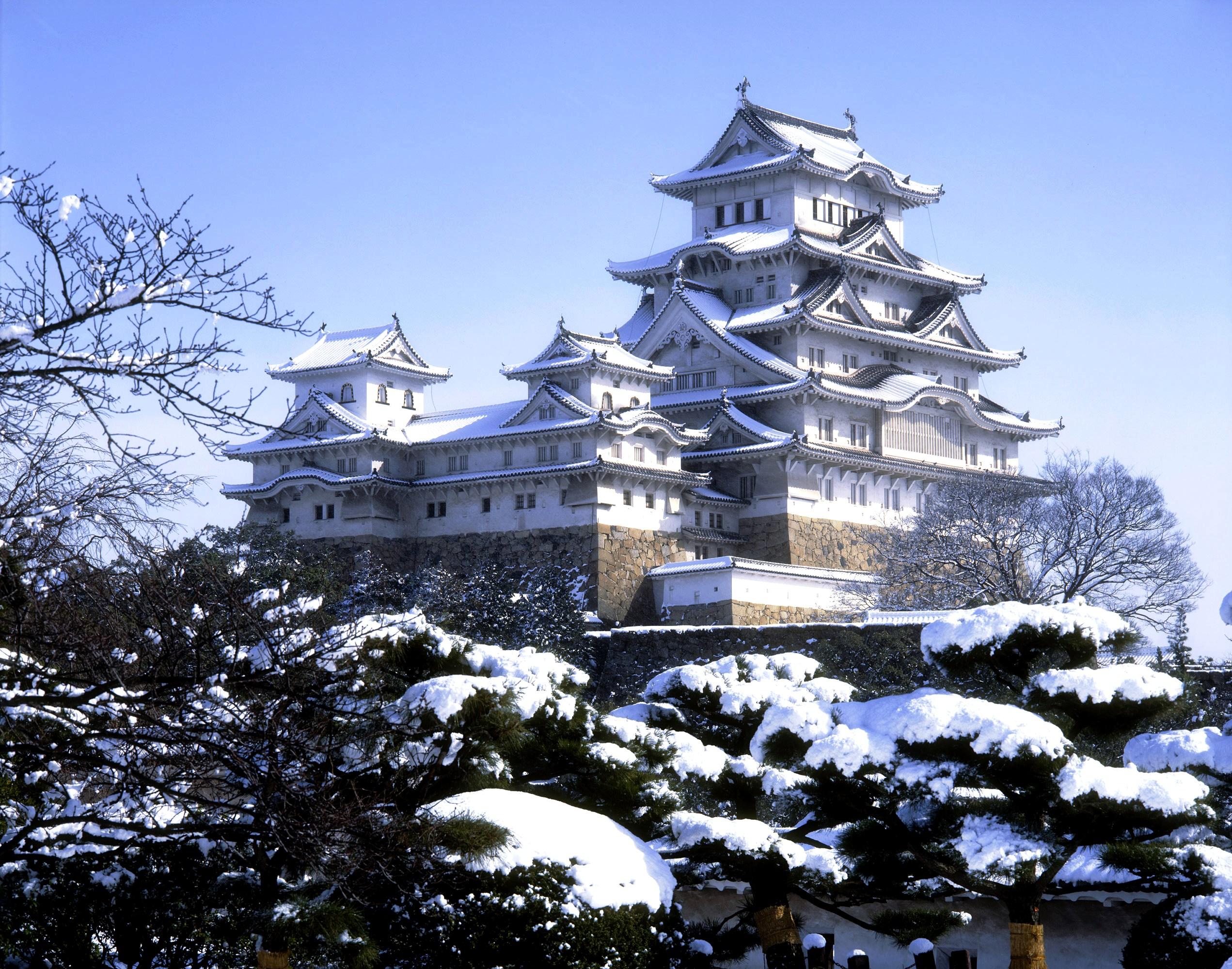 зимний пейзаж замка химэдзи