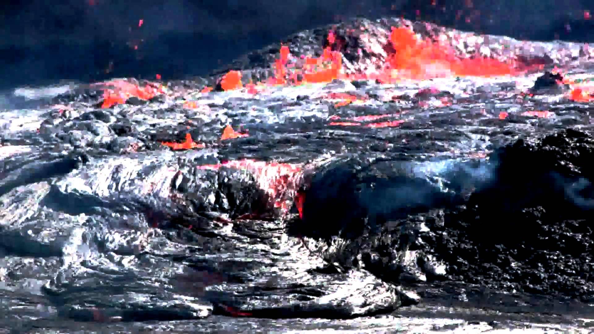 сполохи огня в вулкане