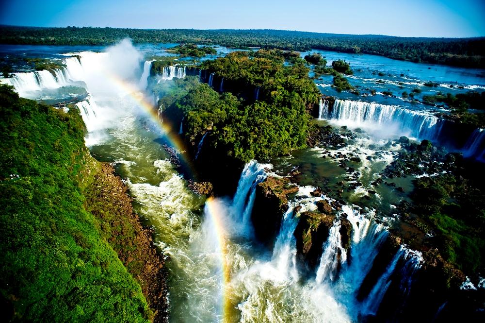 радужные водопады игуасу