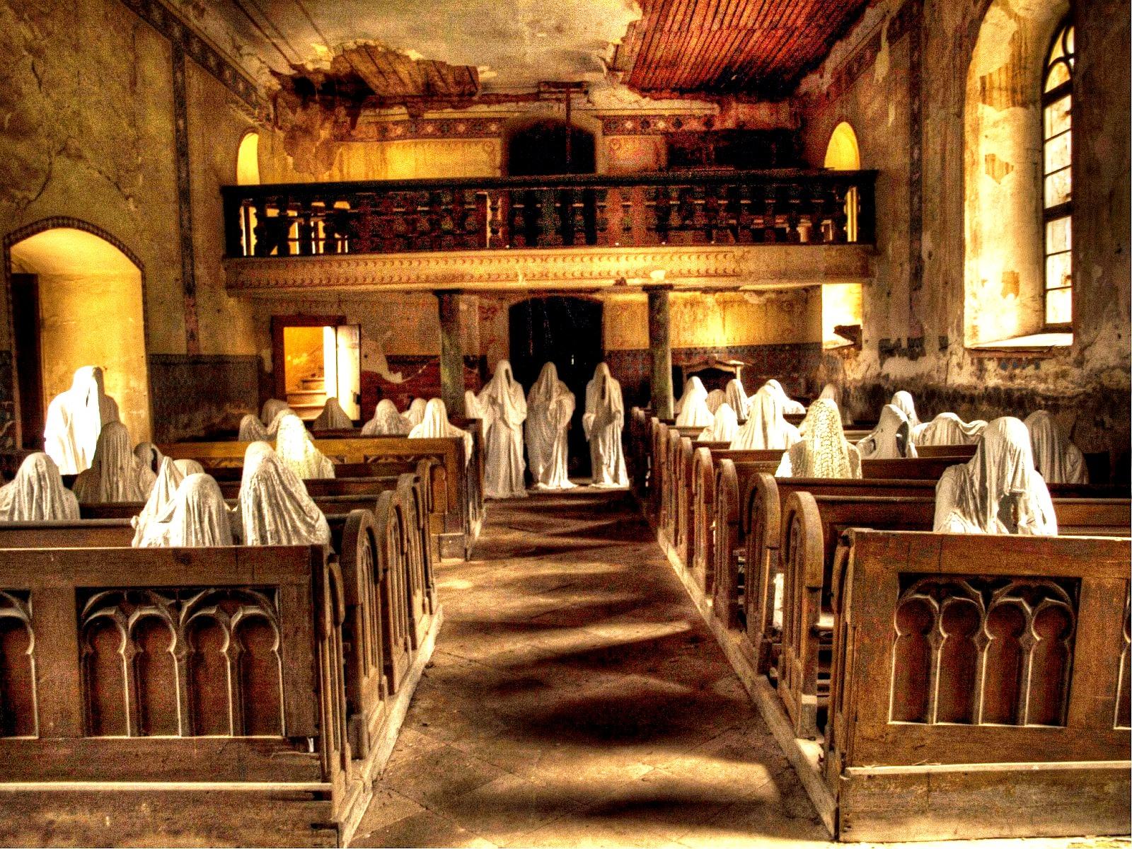 чешская церковь с призраками