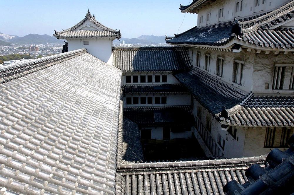 крыши замка белой цапли