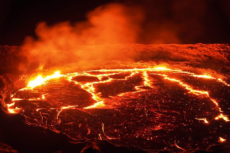 огненный фонтан эрта але