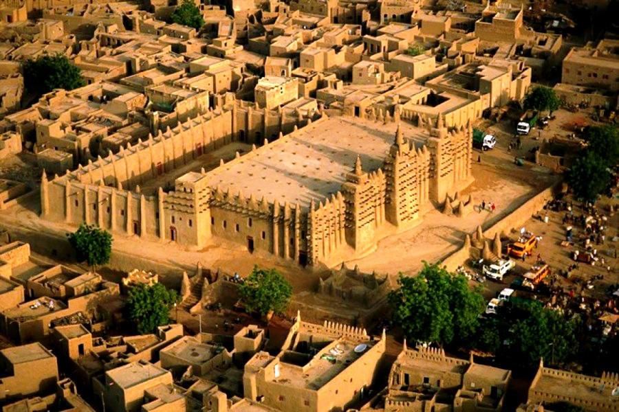 вид сверху на большую мечеть
