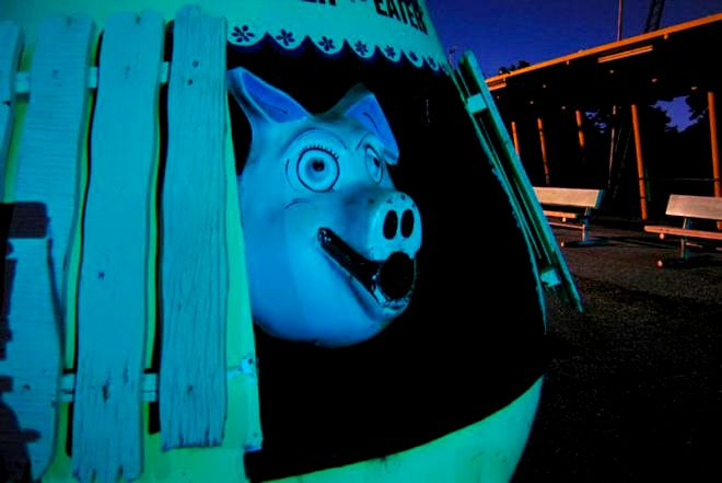 жуткая маска свиньи