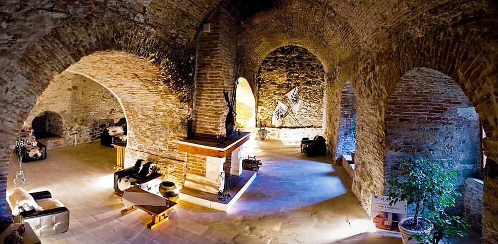 подвал замка Корвина