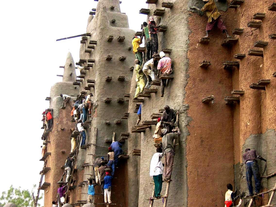 строительство мечети в дженне