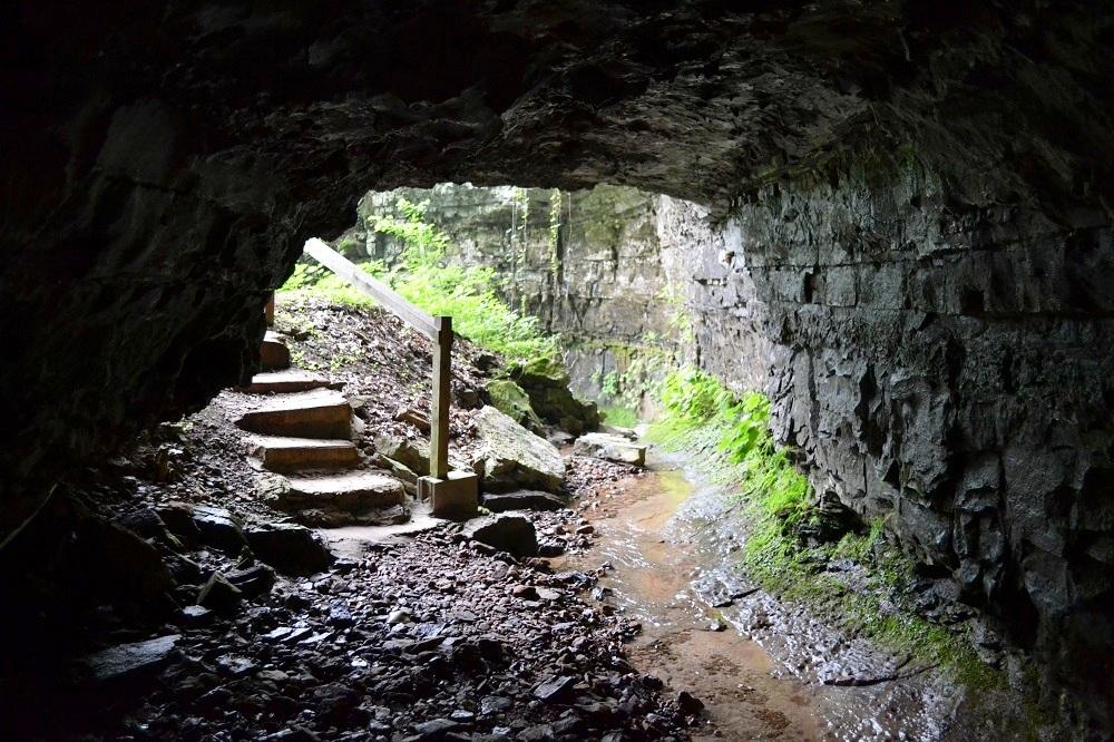 вход в пещеру ведьмы