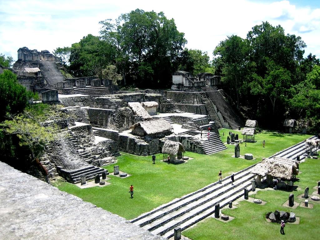древние строения тикаля
