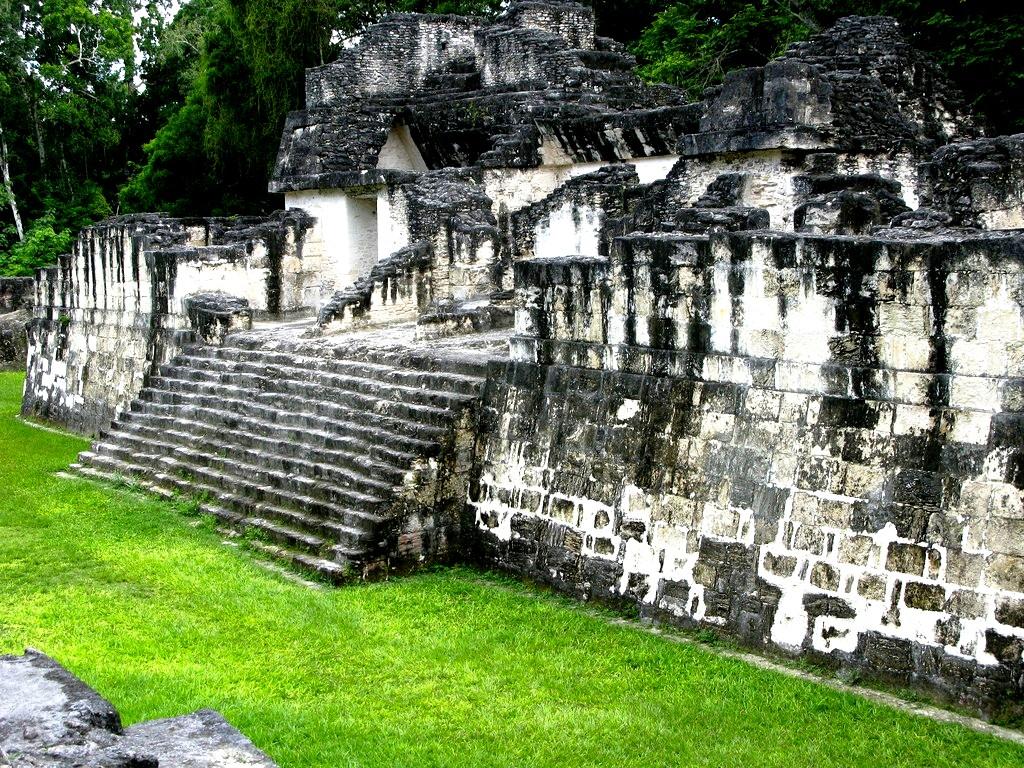 храмы древних богов майя