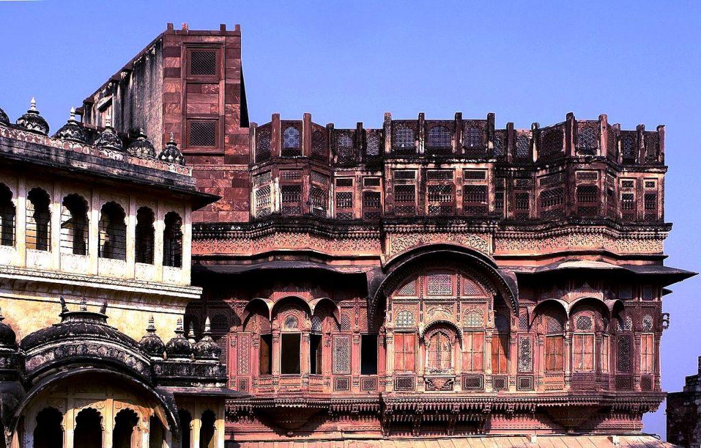 дворец мерангар