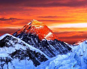 закат над эверестом