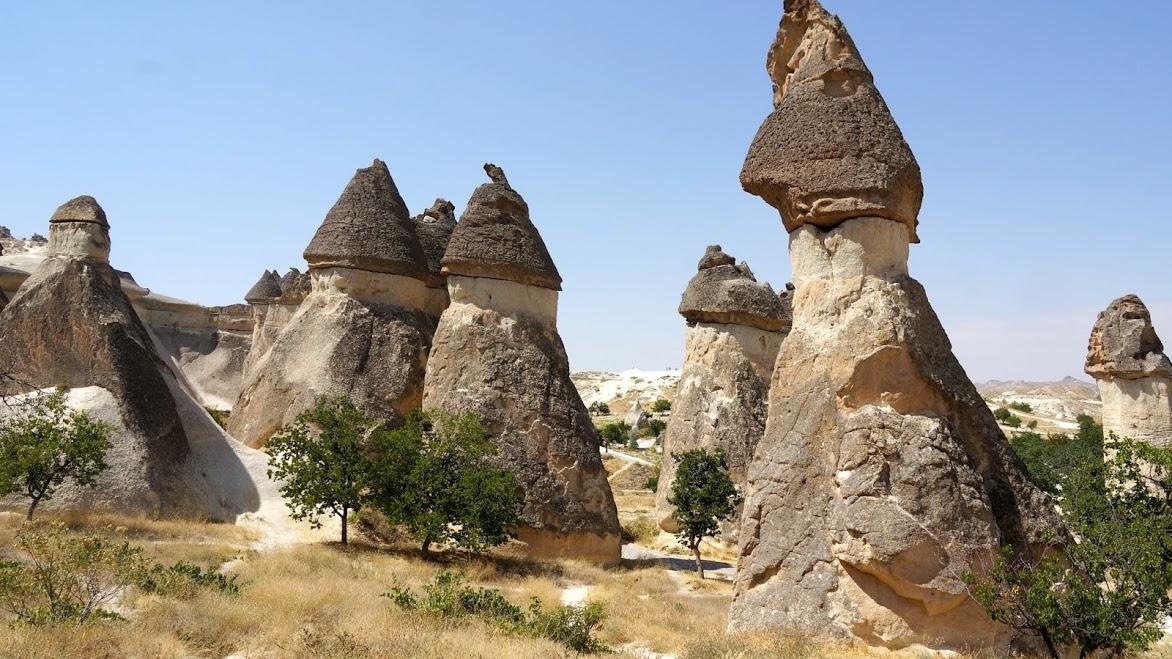 удивительные скалы каппадокии