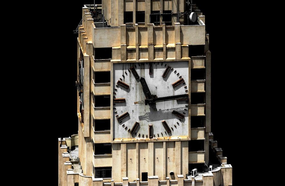 часы вокзальной башни