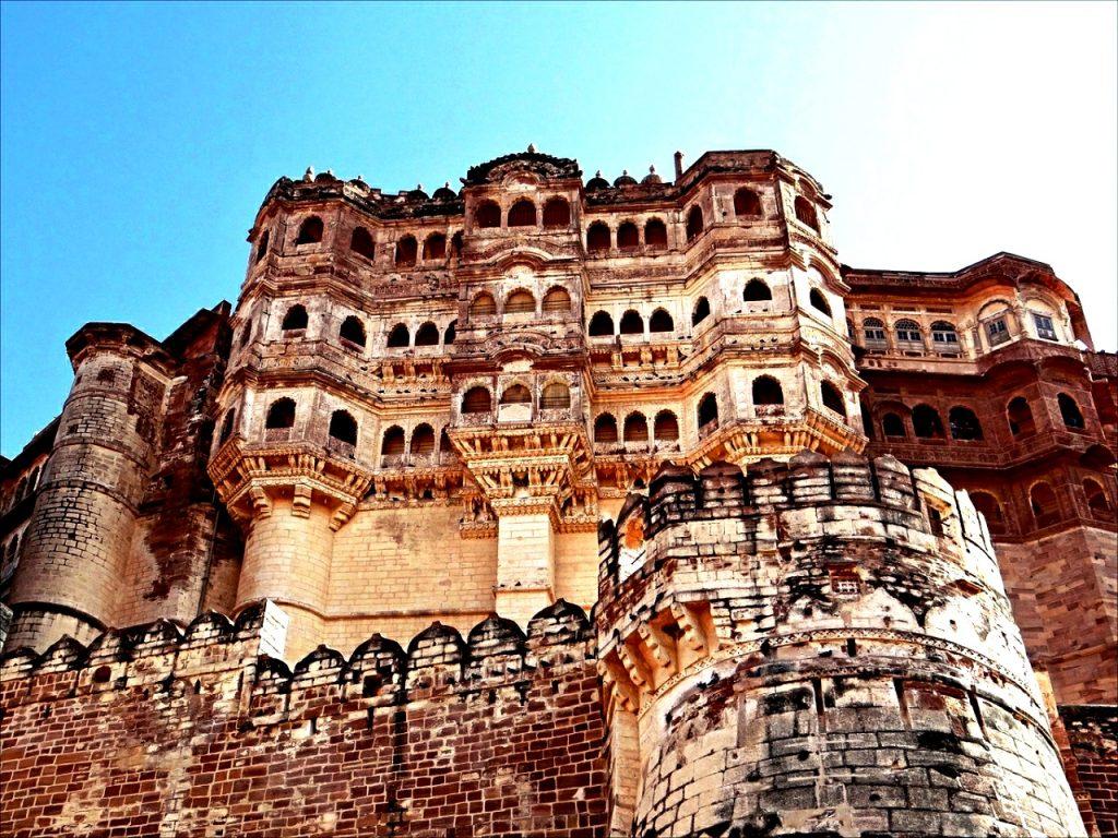 стены мехрангарха