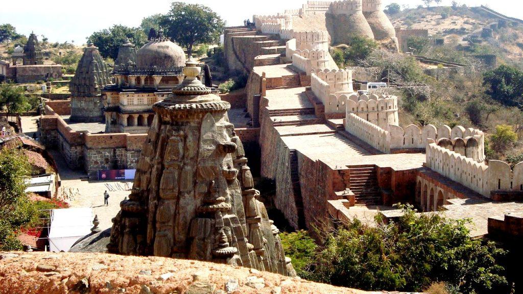 панорама стен кумбалгарха