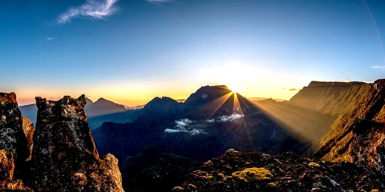 закат над Реюньоном