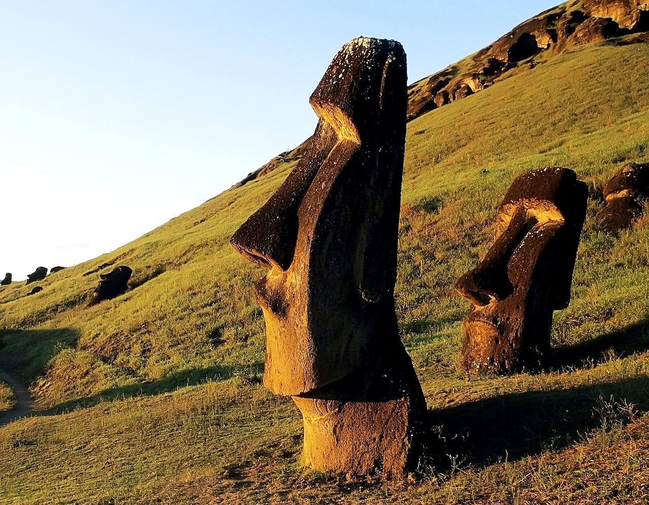 статуя истукана пасхи