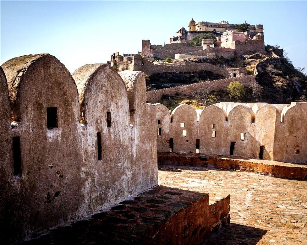 крепостные стены кумбалгарха