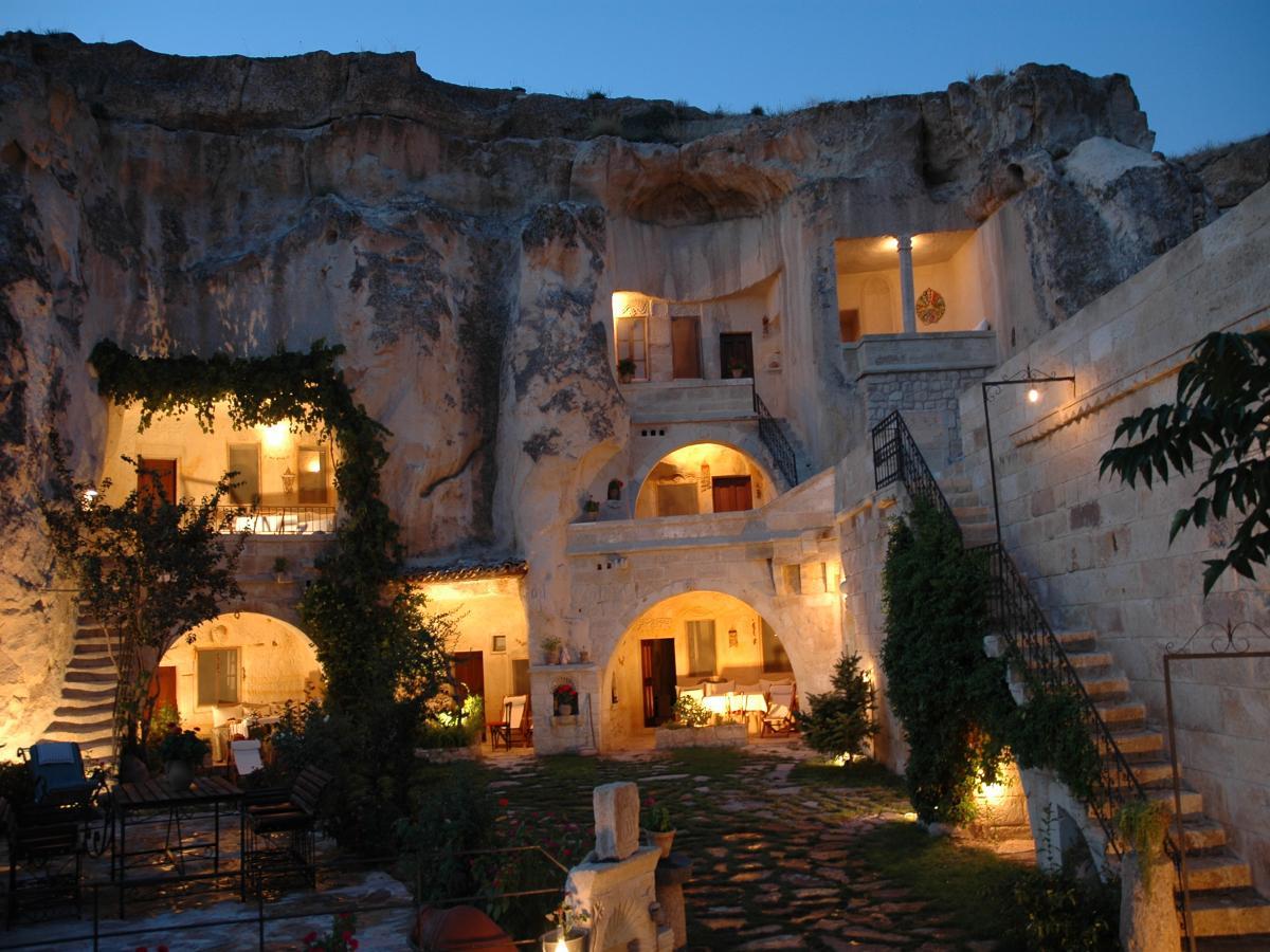 гостиница в скалах, каппадокия