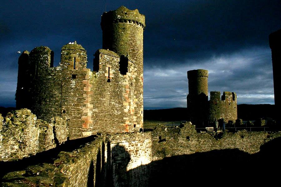 башни крепости конви