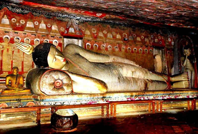 лежащий будда дамбуллы