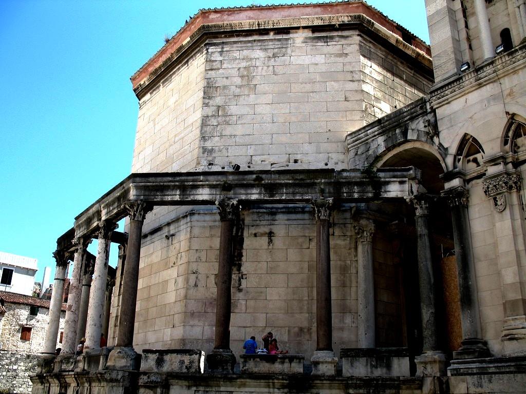 башни дворца Диоклетиана