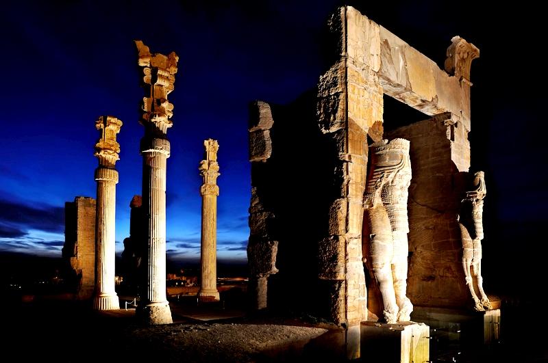 колонны персеполя