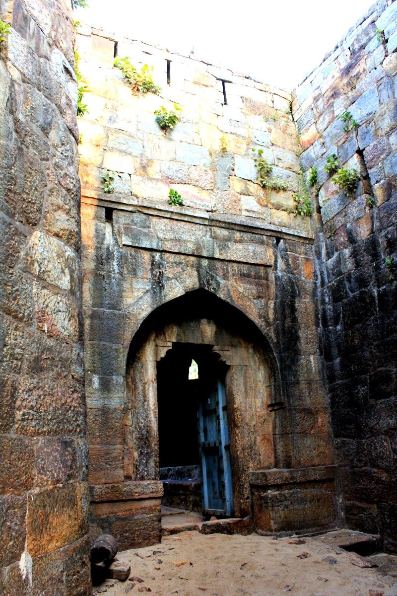 ворота в синдхудург