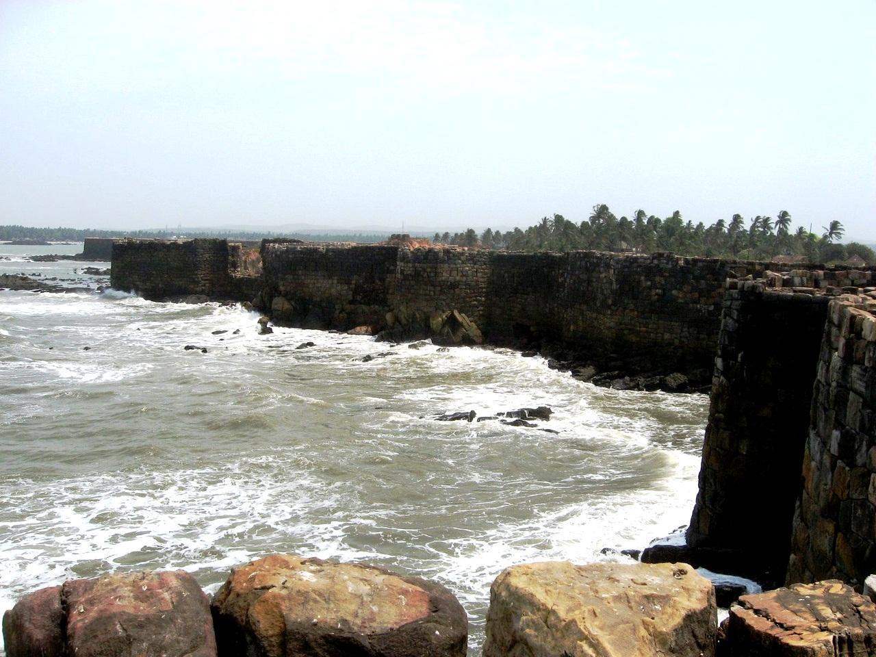 крепостные стены Синдхудурга