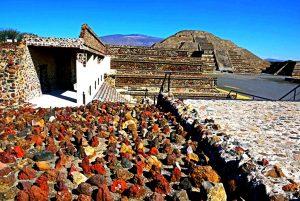камни пирамиды теотиуакана