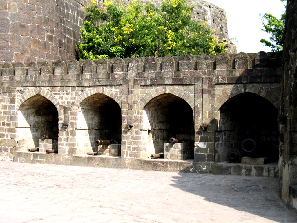 постройки даулатабада