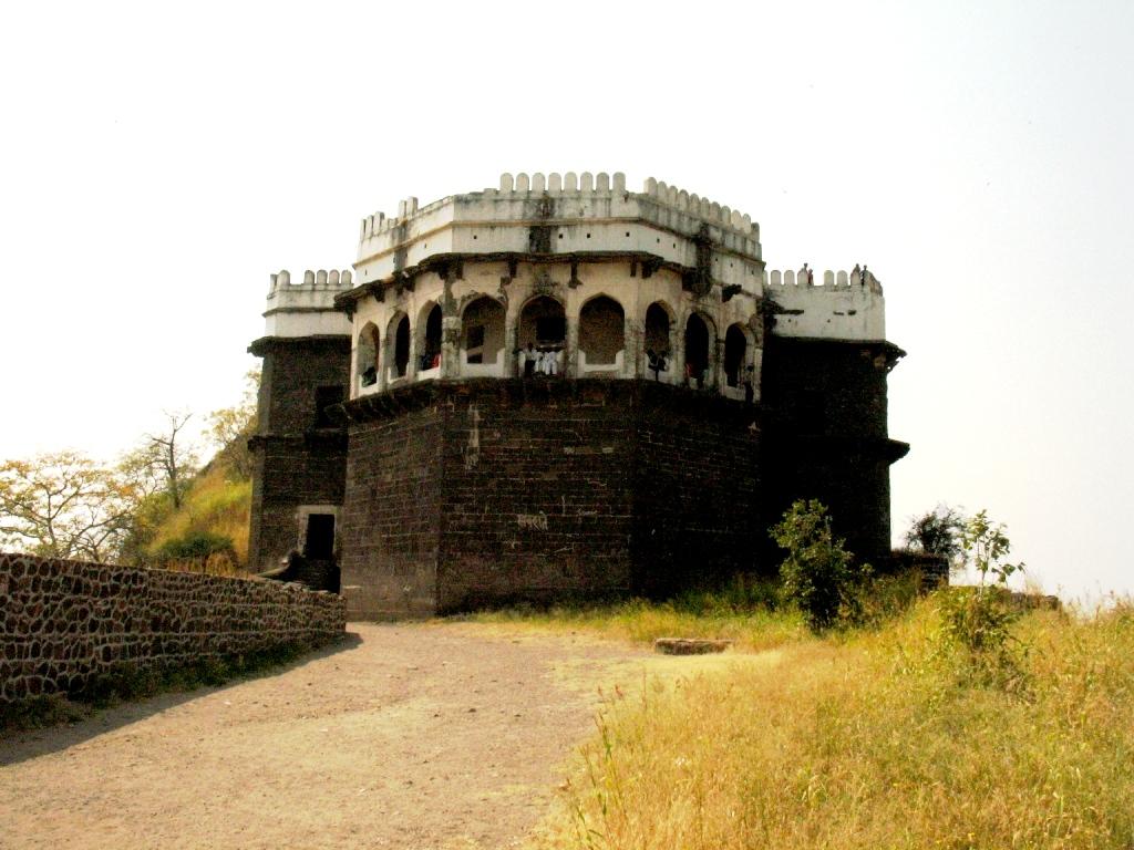 центр крепости девагири