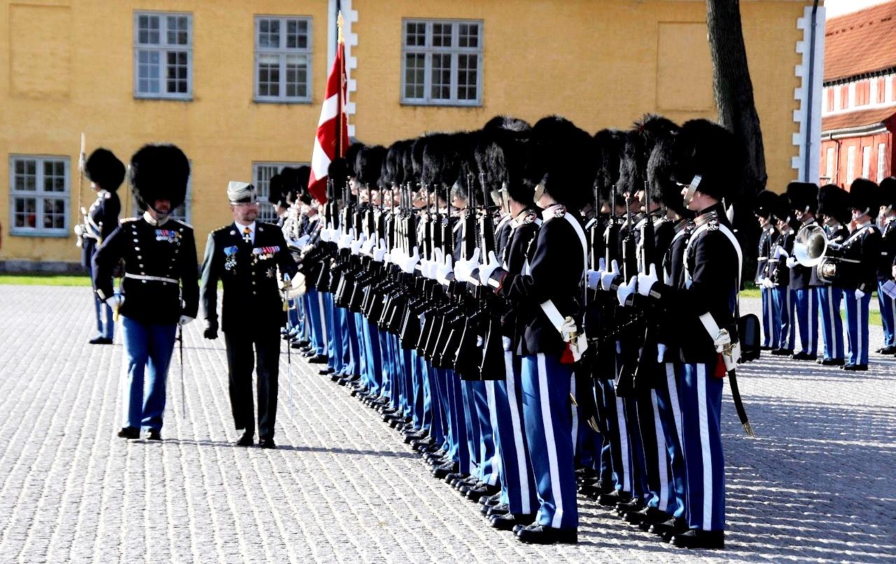 датские гвардейцы