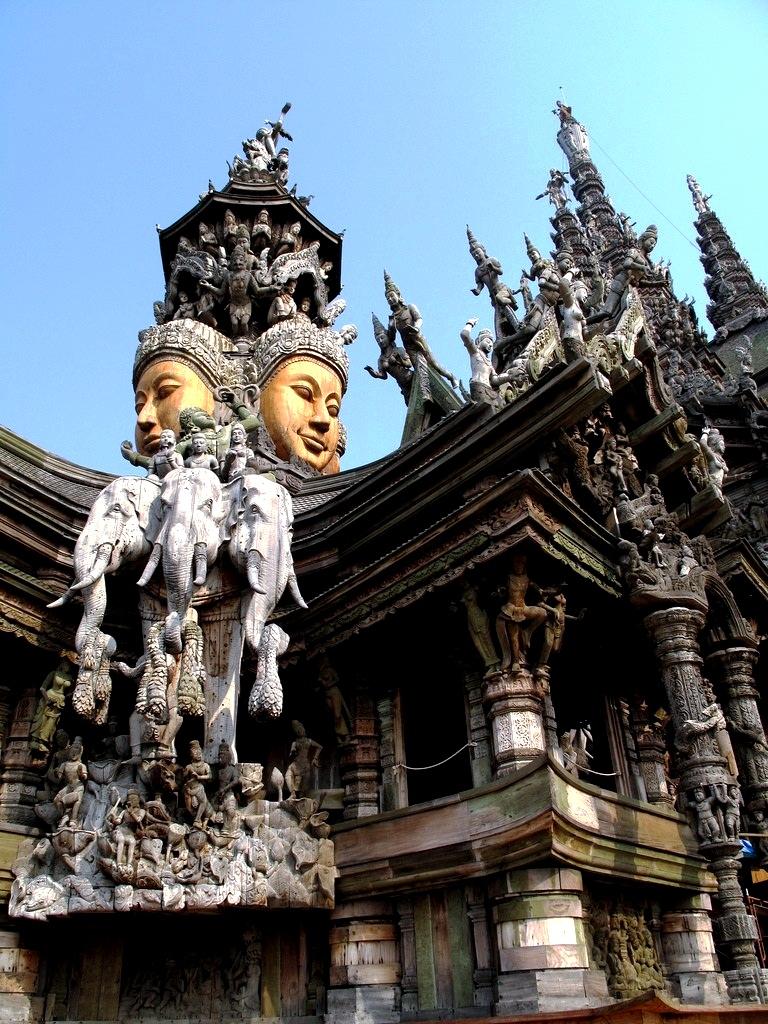 интерьер храма истины