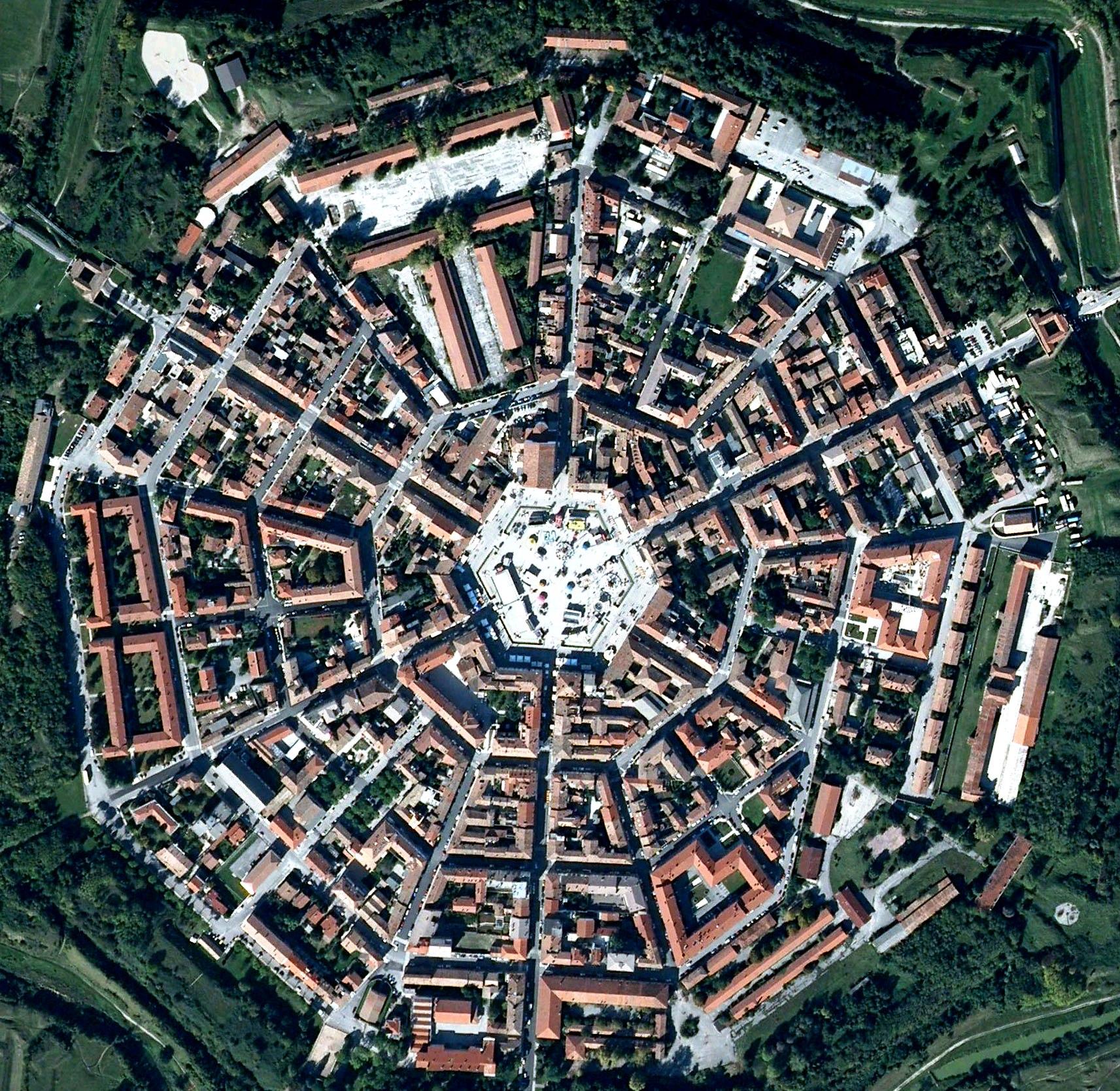 девятиугольный город