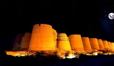 форт деравар ночью